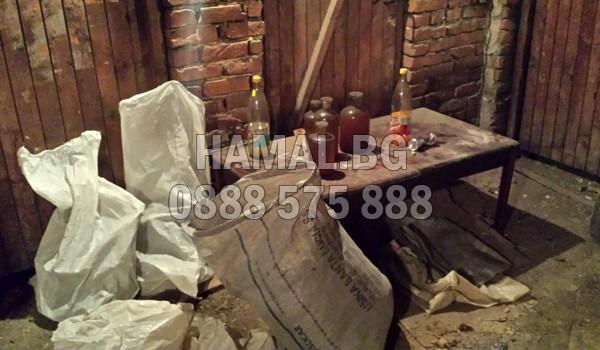 Почистване на мазета в жилищна кооперация в София