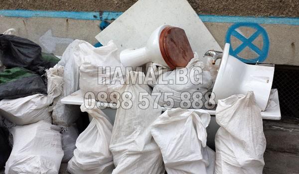 Изхвърляне на строителен отпадък в София